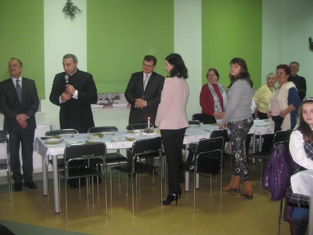 Oglądasz zdjęcia z artykułu: Spotkanie opłatkowe - podsmowawanie | FOTO