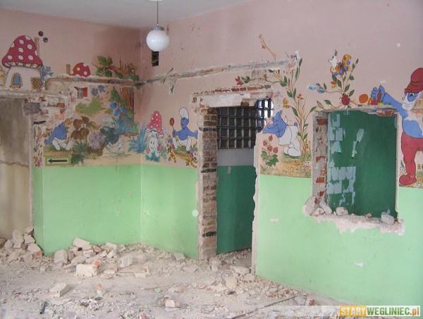 Oglądasz zdjęcia z artykułu: 'Przedszkole' popada w ruinę